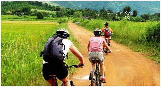 Cycling-with-sri-lankan-tour-guide