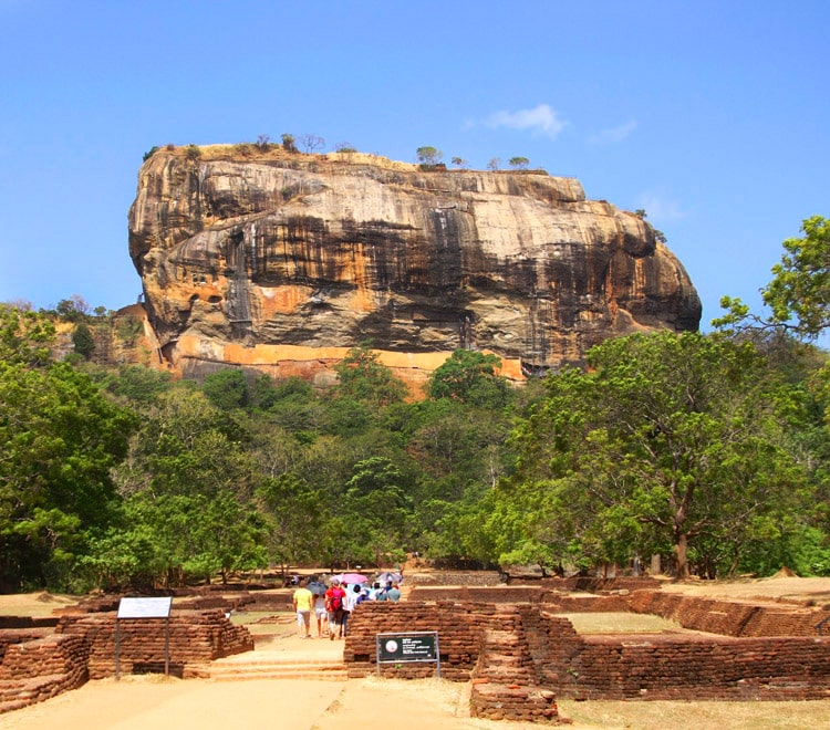 sri-lankan-tour-guide-day-tours-sigiriya-day-tour