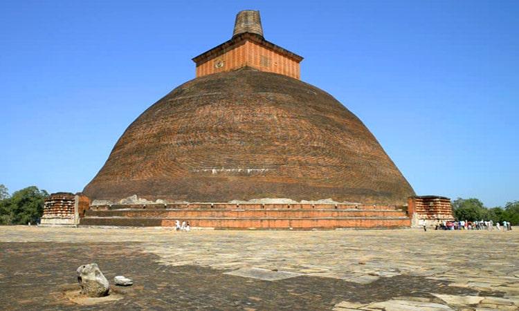 sri-lankan-tour-guide-tour-packages-4-anuradhapura