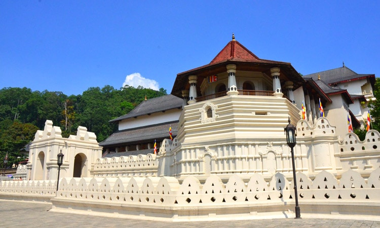 sri-lankan-tour-guide-tour-packages-4-kandy