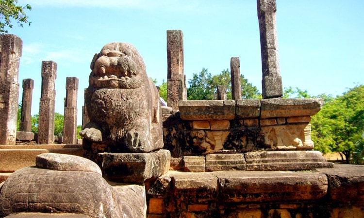 sri-lankan-tour-guide-tour-packages-4-polonnaruwa