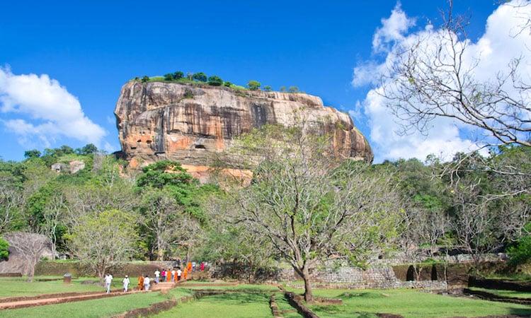 sri-lankan-tour-guide-tour-packages-5-sigiriya