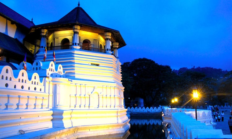 sri-lankan-tour-guide-tour-packages-6-kandy