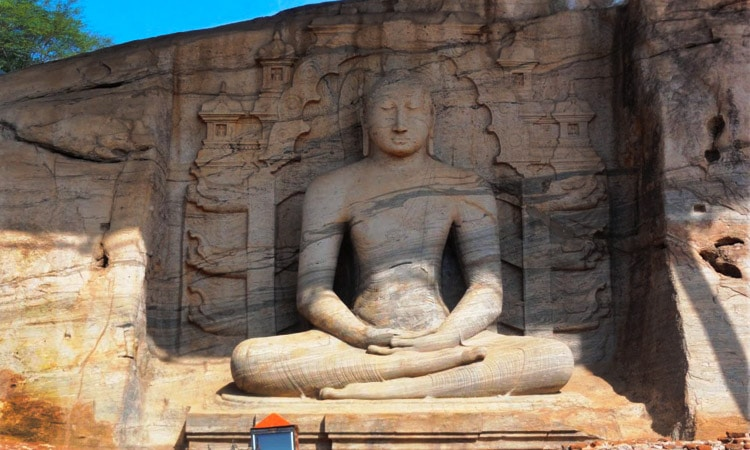 sri-lankan-tour-guide-tour-packages-6-polonnaruwa