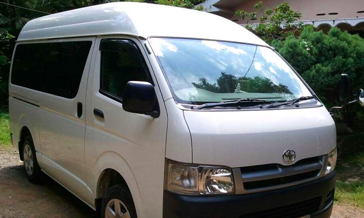 sri lankan tour guide vehicles